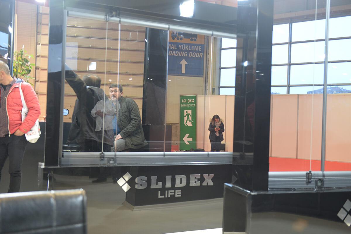 slidex-life-seri-cam-balkomn